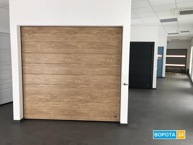 Салон - Автоматичні гаражні ворота у місті Львів