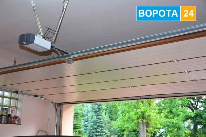 Nedoroga avtomatika na garazhnI vorota u ChernIvtsyah